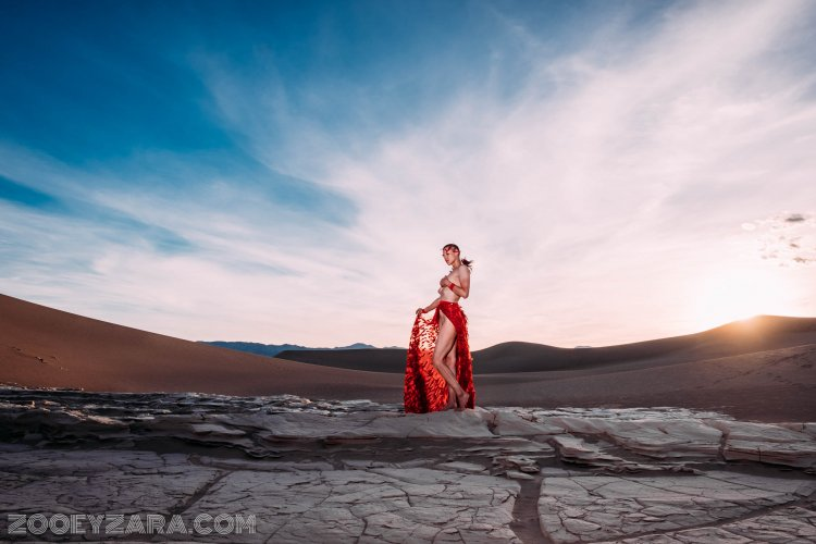 Zooey Zara in Death Valley